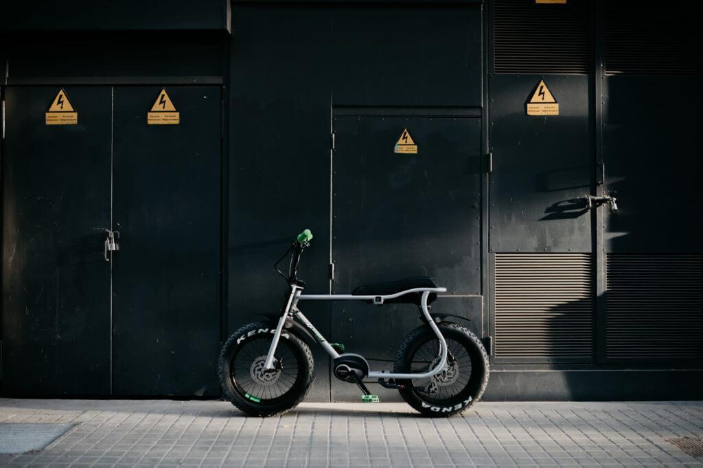 Fahrrad mit dicken Reifen